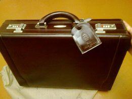 Мужской кожаный портфель PIERRE CARDIN