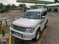 Toyota Prado 95 series with after market headlights, very clean 0