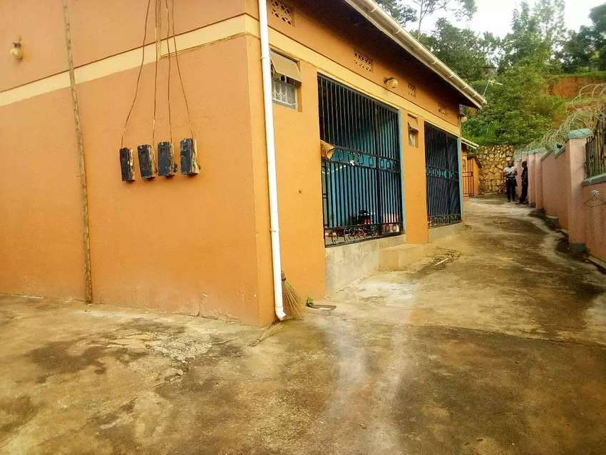 Four rentals on forced sale in salaama munyonyo near the road 0