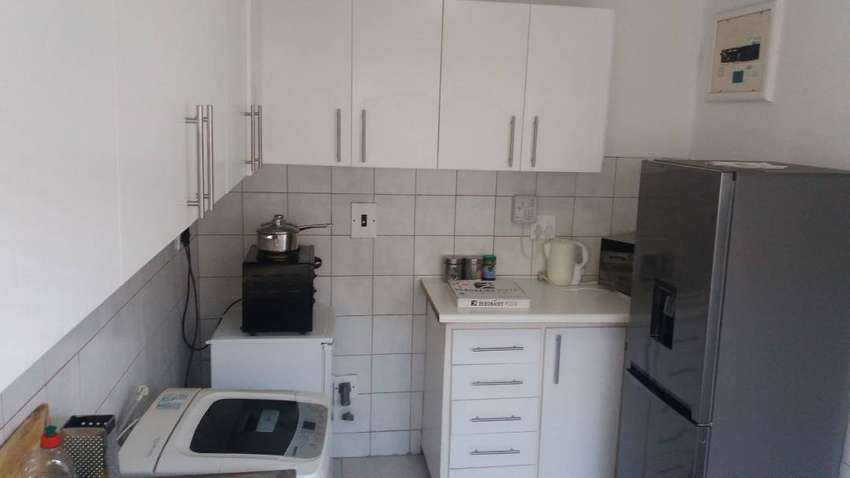 2Bed flat on Bloubergroad R7900 Pm on Myciti close to shop malls/beach