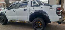 FORD RANGER DOUBLE CAB 3.2 AUTOMATIC XLT 4X4 WITH SPARE KEYS