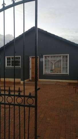 2 Bedrooms house for sale in Ennerdale ext 5