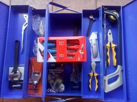 Brand new electrician MAXPOWER TOOL BOX with a 16 peace tool set