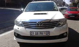 TOYOTA FORTUNER 2.0 D-4D 4X2 AUTOMATIC