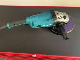 MAKITA ANGLE GRINDER (GA8020) -2200W - NEW(NEVER USED)