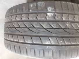 295 /40/20 Continental Cross Contact tyre