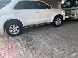 Immaculate 2011 totoya fortuner d4d 3.0