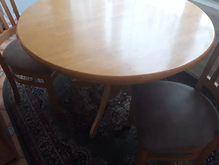 Kuchynsky stol 0