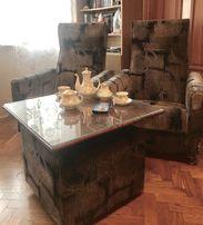 Кресла и столик- тумбочка