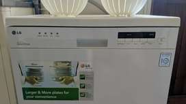 LG dishwasher in full working condition!