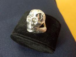 Мужской перстень в виде черепа. Р.20.