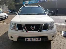 Nissan Navara 2.5 double cab diesel 2010 for SELL