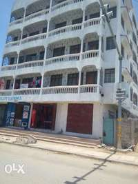 Three bedrooms Memon Area 0