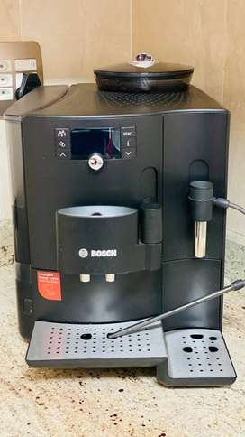 Bean to cup coffee machine (Bosch) - Excellent condition!