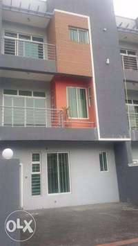 well built 5 bedroom terrace house with s/pool at GRA, Ikeja. N120m 0