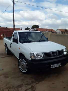 Nissan 2.7D in clean condition