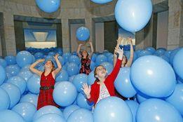 Комната воздушных шаров в подарок на день рождения !