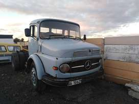 Mercedes Benz truck series 1418 best offer takes the truck.