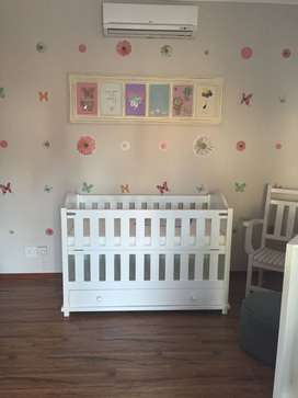 BABY CRIB AND COMPACTUM FOR SALE