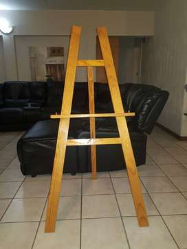 Art Easel for sale, Price is Negotiable.