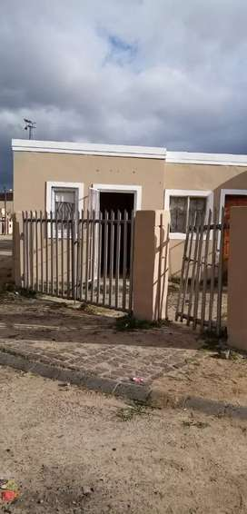 Corner house, 5 flats. Makes bout 7000 income per month