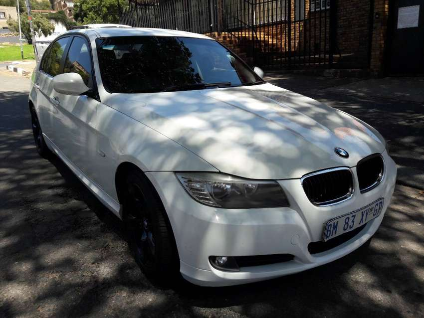2011 MODEL BMW 3-SERIES 320D LUXURY AUTOMATIC