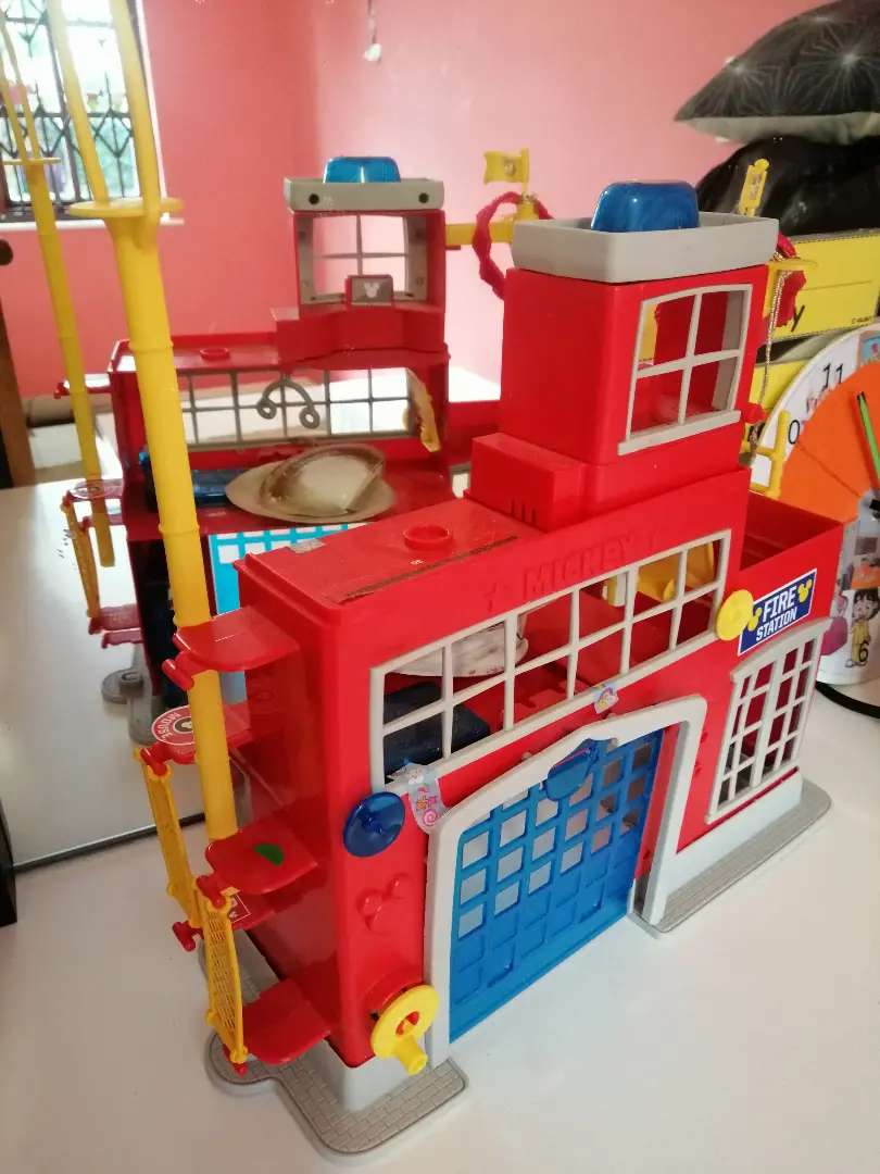 Mickey mouse fire station orginal, wooden house and custom clock 0