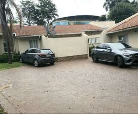 5 mins drive from Sandton room for rent all bills included