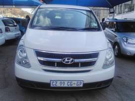 HYUNDAI H-1 2.4 MANUAL