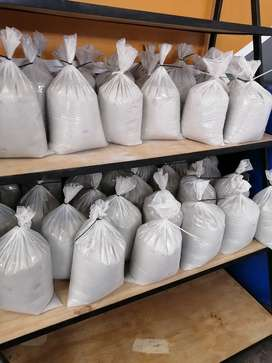 5kg Cement 42.5 strength only R17 a bag