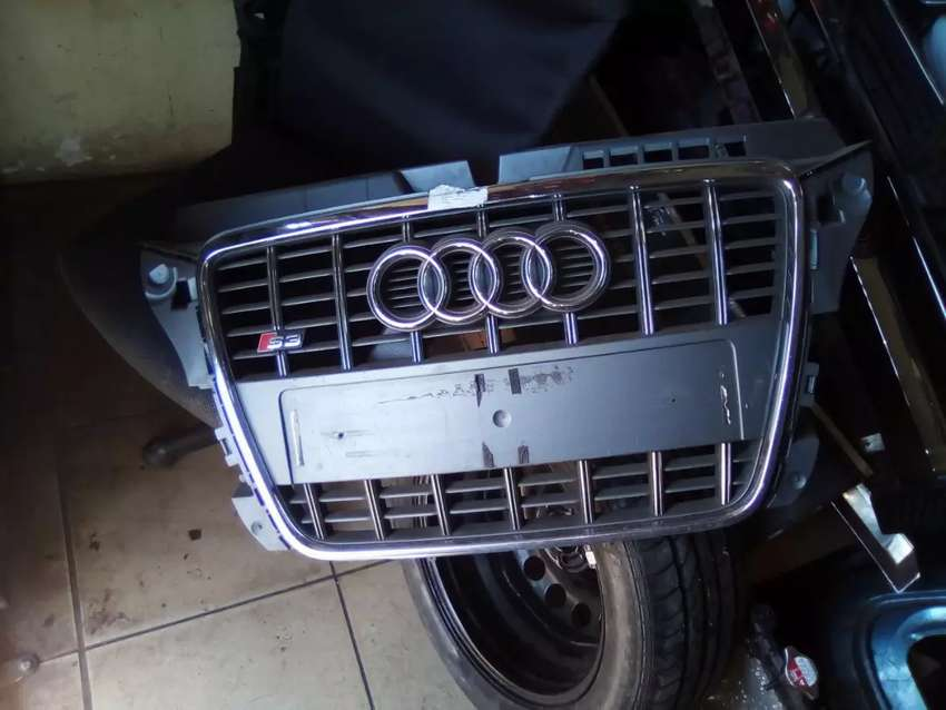 Audi S3 or A3 middle big grill 0