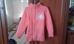Продам теплый свитер для девочки 10 лет