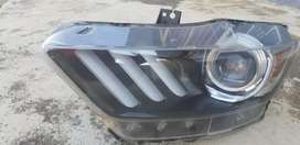 Ford mustang head