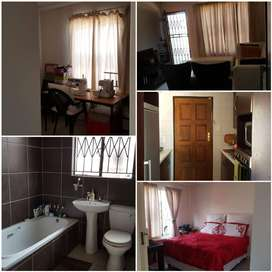 2 bedroom house available to rent in Vosloorus,  Ext 6 , Ponong .