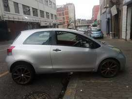 Toyota yaris 1.3 T1 2009 model for SELL