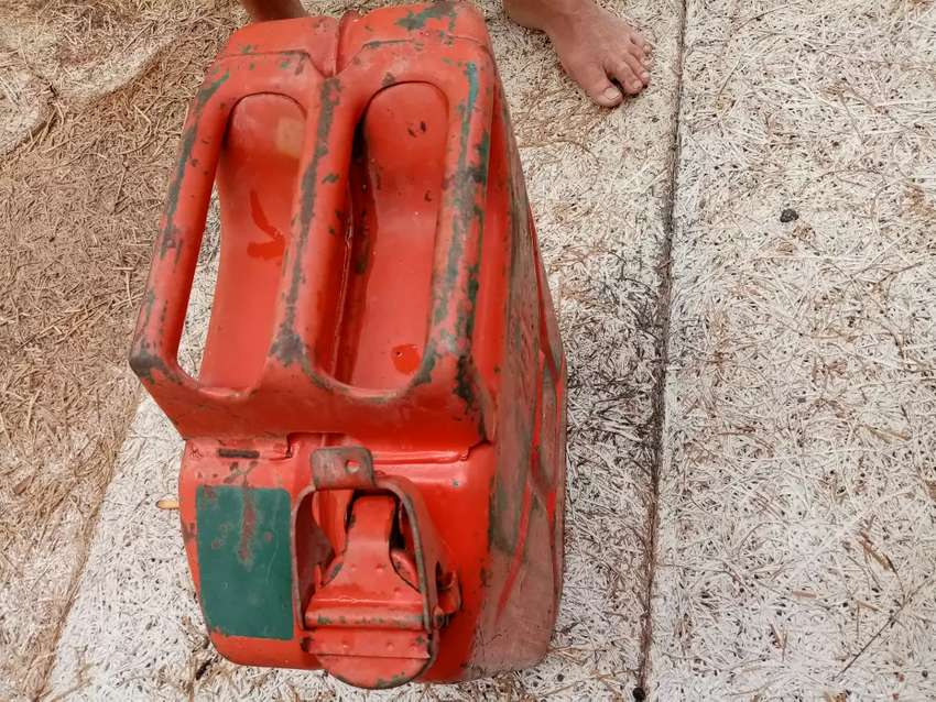 Metal Jerry Can (FUEL)