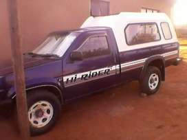 Nissan one toner hardbody. With canopy.good condition.papers in order.