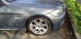 BMW 320i M SPORT FOR SALE R90000
