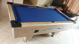 7 foot coin operated pool table