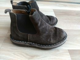 Продам Натуральные замшевые ботинки челси для мальчика 25 р