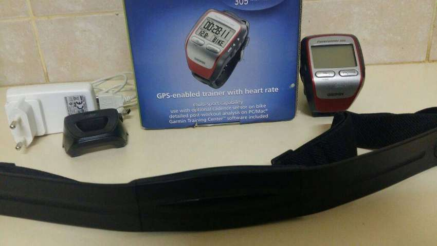 Garmin Forerunner 305 with heart rate monitor R1500 neg clearance pric 0