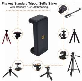 Universal cell phone tripod mount