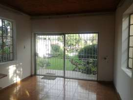 Cottage for rent in South Kensington near Eastgate mall