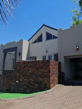 Lovely 2 bedroom unit to rent in a secure complex