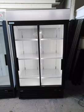 Staycold SD1140 Sliding Door Fridge