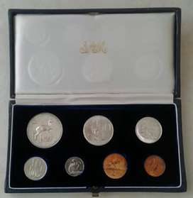 Nice 1966 S.A short proof set with silver R1