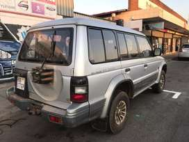 Mitsubishi pajero 3000 v6 stripping for spare parts