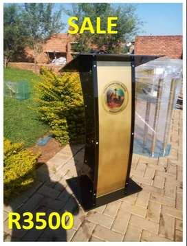 Customized Gold Front Black Sides Church Pulpit