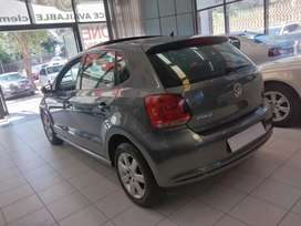 A Vw Polo 1.4 comfort line with sunroof Grey in color