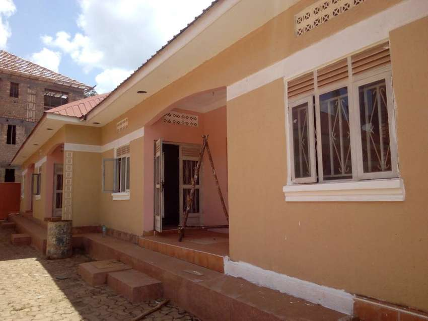 kireka executive self contained double for rent at 200k 0